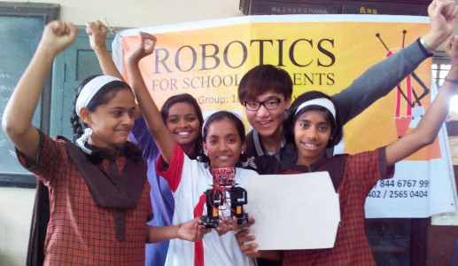 IndiaFIRST™ Robotics Academy Workshop with school students
