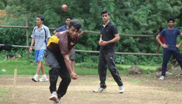 Team AISSMS Net Practice Bowling