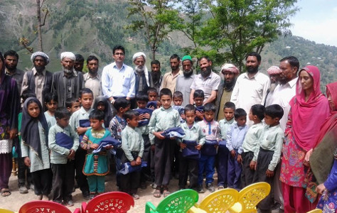 Shamim Banday - Abdul Majid Bandey Education and Welfare society distributing free uniform to AMB Public School