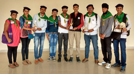 Niket Shastri with NSS team of GTU that won four trophies at state level NSS Day celebration and Cultural Festival at VNSGU in 2016