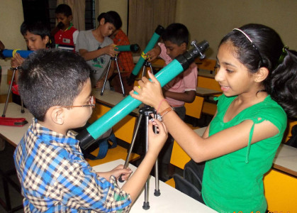 Parag Gore Box Of Science - Science Exploration Activities