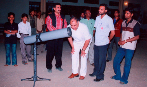 Parag Gore at Ahmednagar Bhaskaracharya Astronomy Research Center in 2005 with Dr SB Nimase and mentor Dinesh Nisang