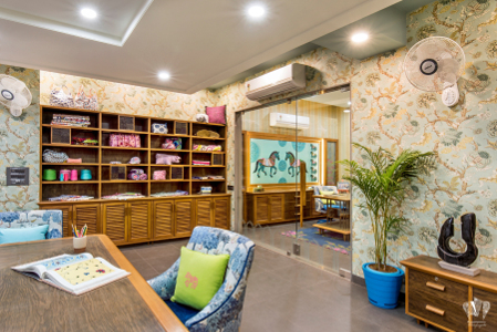 Vipin Bakiwala Design Studio - Sapphire - Pic3