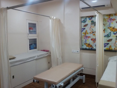 Dr. Masooma Ladiwala PT Clinic 1