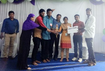 Professor Srinivas Gunda guided final year commerce students in winning prize at VITTA SAMARA 2017 state level commerce quiz competition at Nizamabad, Oct'17