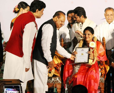 Swarna Raja Kochi - Bengaluru Youth Award 2014 by Department of Youth Empowerment and Sports Govt of Karnataka