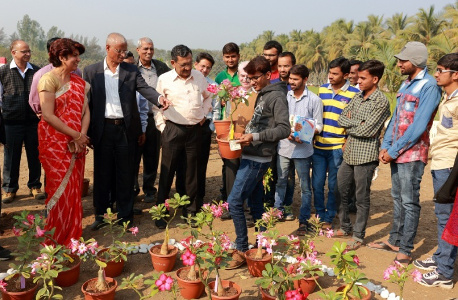 Dr Alka Singh - Ornamental plant exhibition and plant sale