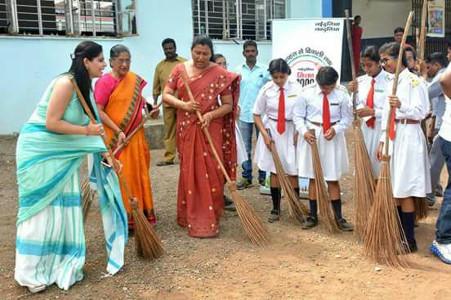 Palak Tiwari - Cleanliness Drive