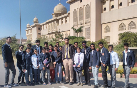 Dr Neetesh Jain with students during Industrial visit to Cipla, Pithampur