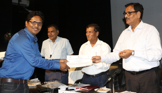 Ravi Ranjan Kumar receiving appreciation