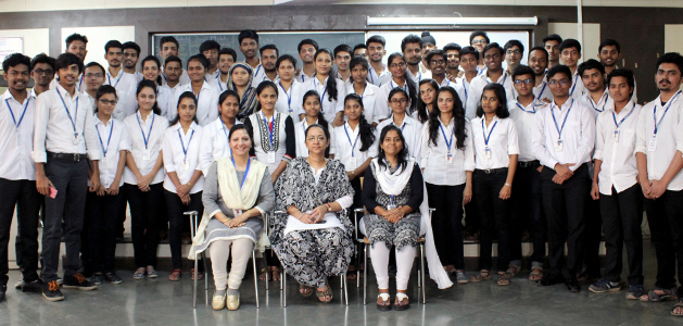 Alka Purohit Nurture Group Pic with Comps batch 2017