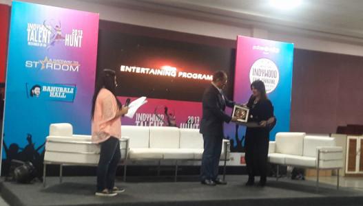 Sonia Gupta Indywood Excellence Award Ramoji 2017 - 2