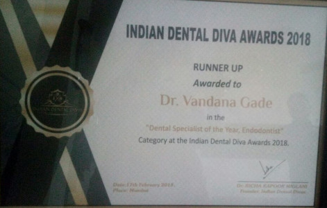 Dr Vandana Gade - honoured with Runner Up Award as Dental Specialist of the Year (Endodontist) by Indian Dental Diva