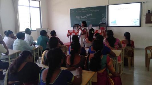 Dr Sandhya Khedekar - Workshop on Effective Teaching under FDP at Shramshakti Agriculture College Maldad Sangamner
